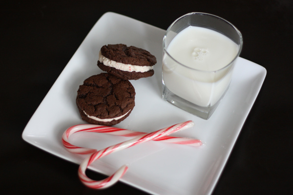 Homemade Holiday Oreos